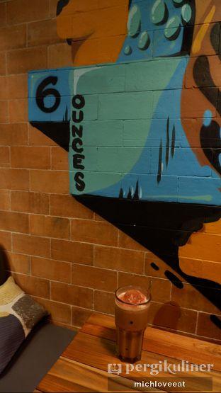 Foto 3 - Interior di Six Ounces Coffee oleh Mich Love Eat