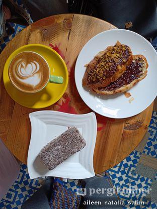 Foto 1 - Makanan di Giyanti Coffee Roastery oleh @NonikJajan