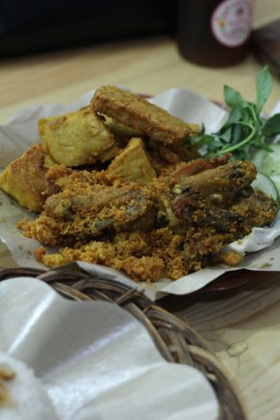 Foto 1 - Makanan di Ayam Goreng Kalasan Borobudur oleh thehandsofcuisine