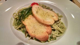 Foto review D'llyst Restaurant & Cafe oleh Indra Hadian Tjua 4