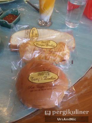 Foto 10 - Makanan(roti jadul) di Ikan Bakar Cianjur oleh UrsAndNic