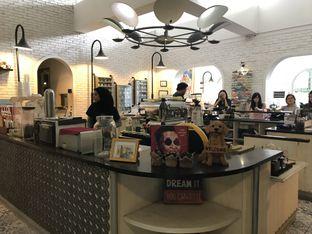 Foto 14 - Interior di Trafique Coffee oleh FebTasty  (Feb & Mora)