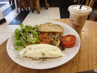 Foto 1 - Makanan di Anomali Coffee oleh Pengembara Rasa