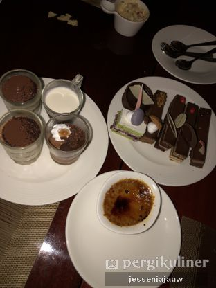 Foto 10 - Makanan di The Cafe - Hotel Mulia oleh Jessenia Jauw