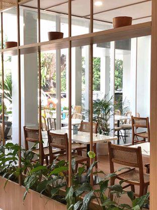 Foto 5 - Interior di Dailydose Coffee & Eatery oleh yudistira ishak abrar