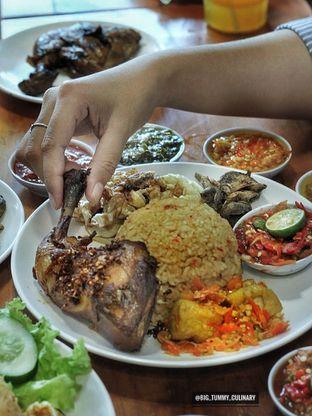 Foto 3 - Makanan di Sambal Khas Karmila oleh Ken @bigtummy_culinary