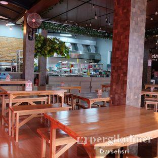 Foto review Whatever Restaurant oleh Darsehsri Handayani 8