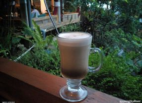 6 Ethnic Cafe di Bandung untuk Santai Bersama Teman