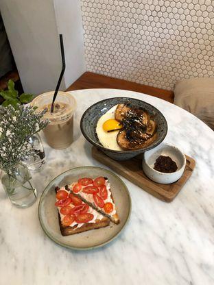 Foto 3 - Makanan di Guten Morgen Coffee Lab & Shop oleh Mitha Komala