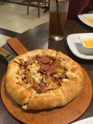 Foto 16 - Makanan di Pizza Hut oleh Prido ZH