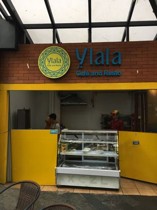 Foto 17 - Interior di Ylala Cafe & Resto oleh Mariane  Felicia