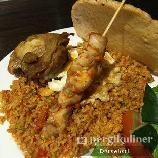 Foto 1 - Makanan(Nasi Goreng Kampung) di Food Theater oleh Darsehsri Handayani