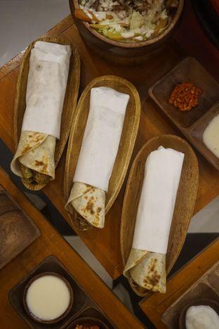 Foto 12 - Makanan di Emado's Shawarma oleh yudistira ishak abrar