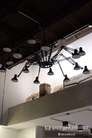 Foto 5 - Interior di Kapyc Coffee & Roastery oleh Darsehsri Handayani