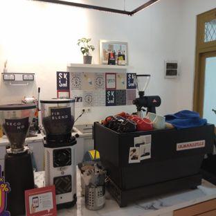 Foto 5 - Interior di Saksama Coffee oleh duocicip