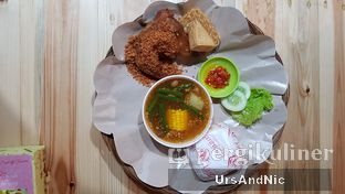 Foto 1 - Makanan( paket Hemat B) di Ayam Goreng Karawaci oleh UrsAndNic