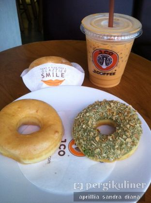 Foto - Makanan(Iced Thai Tea) di J.CO Donuts & Coffee oleh Diana Sandra