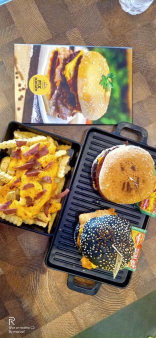 Foto 1 - Makanan di FIX Burger oleh Inno vhieya