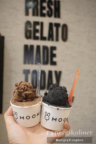 Foto - Makanan di MOONI Artisan Gelato oleh Hungry Couplee