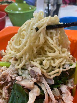Foto 2 - Makanan di Mie Ayam Uban oleh Riani Rin