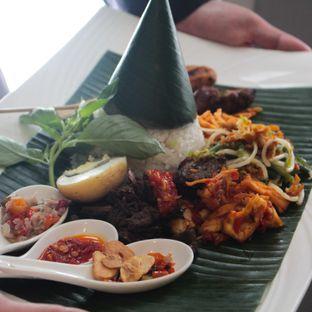 Foto 1 - Makanan(Nasi Bali) di Bunga Rampai oleh Christine Lie #FoodCraverID