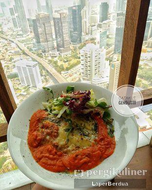 Foto 1 - Makanan di Scenic 180° (Restaurant, Bar & Lounge) oleh Julio & Sabrina