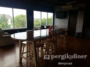 Foto 7 - Interior di Widstik Coffee oleh Slimybelly