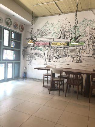 Foto 8 - Interior di Neo Dapoer Oma oleh Nanakoot
