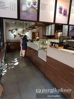 Foto 6 - Interior di Macroni Tei Coffee oleh Asiong Lie @makanajadah