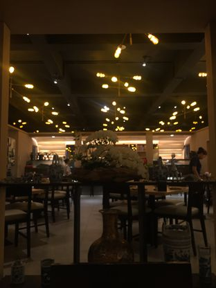 Foto 7 - Interior di Sushi Matsu oleh @Itsjusterr