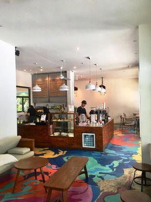 Foto 9 - Interior di SRSLY Coffee oleh Prido ZH