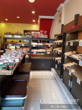 Foto 4 - Interior di Iwai Bakery oleh UrsAndNic