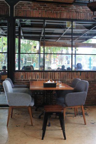 Foto 22 - Interior di Finch Coffee & Kitchen oleh Prido ZH