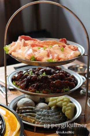 Foto 2 - Makanan(Pork Combo L) di Magal Korean BBQ oleh UrsAndNic