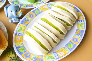 Foto 1 - Makanan di Roti Srikaya Ajung oleh Michelle Xu