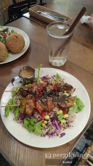 Foto 1 - Makanan di Burgreens Express oleh Winata Arafad