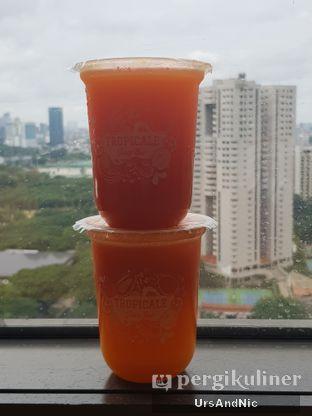Foto 2 - Makanan di Tropicale Juice Bar oleh UrsAndNic