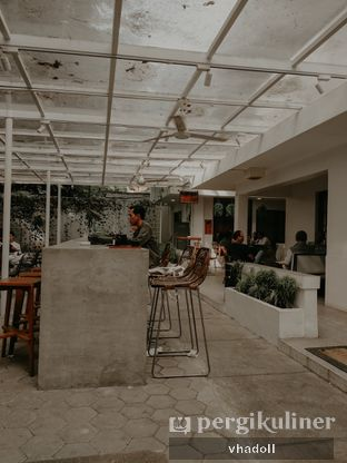 Foto 6 - Eksterior(Outdoor) di Simetri Coffee Roasters oleh Syifa