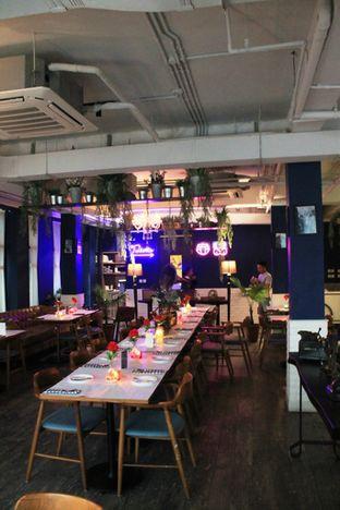 Foto 7 - Interior di Bleu Alley Brasserie oleh Prido ZH
