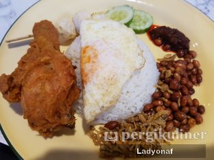Foto 1 - Makanan di Ponggol Nasi Lemak oleh Ladyonaf @placetogoandeat