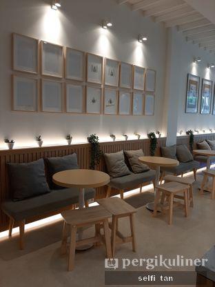 Foto 4 - Interior di Aiko Coffee oleh Selfi Tan