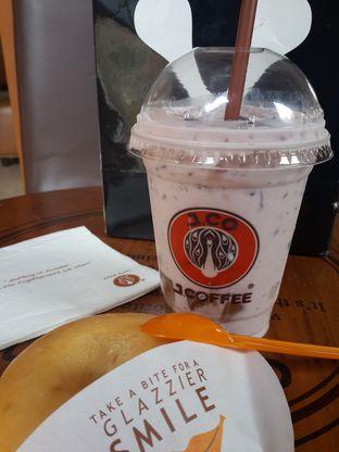 Foto 1 - Makanan di J.CO Donuts & Coffee oleh @stelmaris