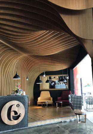 Foto 3 - Interior di Six Degrees oleh Annisa Putri Nur Bahri