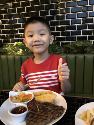 Foto 1 - Makanan di B'Steak Grill & Pancake oleh Hanathalia
