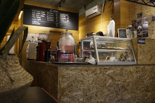 Foto 5 - Interior di Sana Coffee oleh yudistira ishak abrar