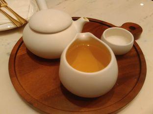 Foto 5 - Makanan(Gen Maicha Glory (IDR 51k) ) di Lewis & Carroll Tea oleh Renodaneswara @caesarinodswr