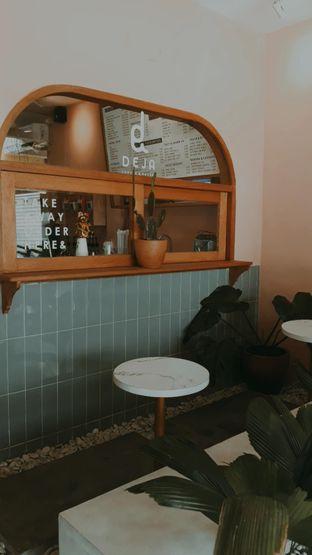 Foto 4 - Interior di Deja Coffee & Pastry oleh Mouthgasm.jkt