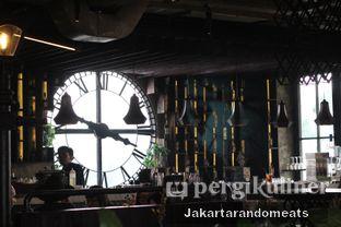 Foto 14 - Interior di H Gourmet & Vibes oleh Jakartarandomeats