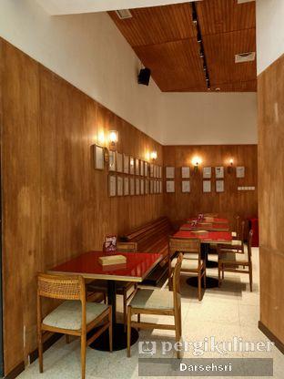 Foto 7 - Interior di Cafelulu oleh Darsehsri Handayani
