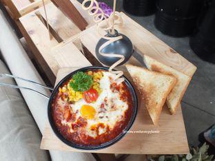Foto 4 - Makanan(Sausage and Egg Skillet ) di Open Door oleh Vincentia Stepfanie